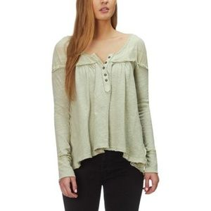 NWT FREE PEOPLE  DOWN UNDER HENLEY TOP WASHED ARMY
